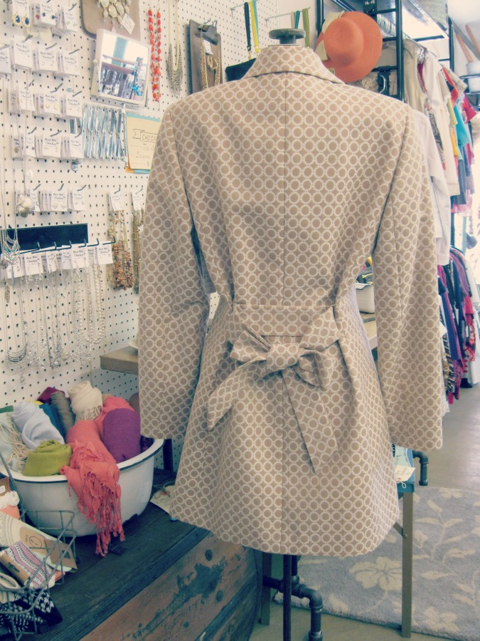 How to Tie a Trench Coat- Back Bow