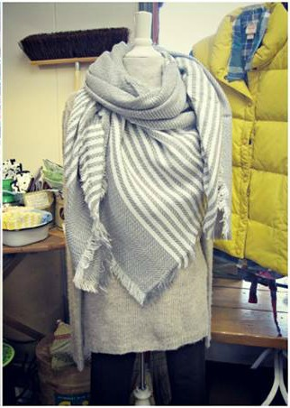 gray-blanket-scarf