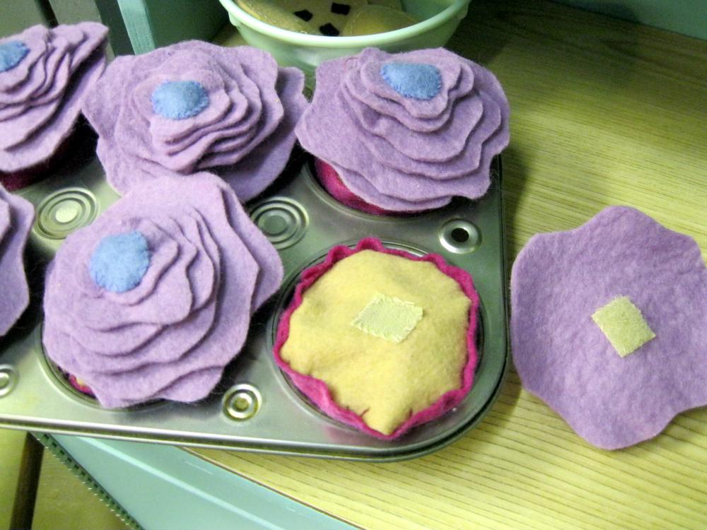 felt food cupcakes