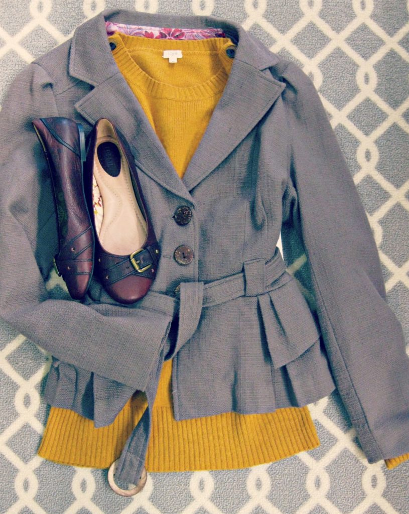 Fall Outfits in Pantone's 2016 Fall colors- spicy mustard, potter's clay